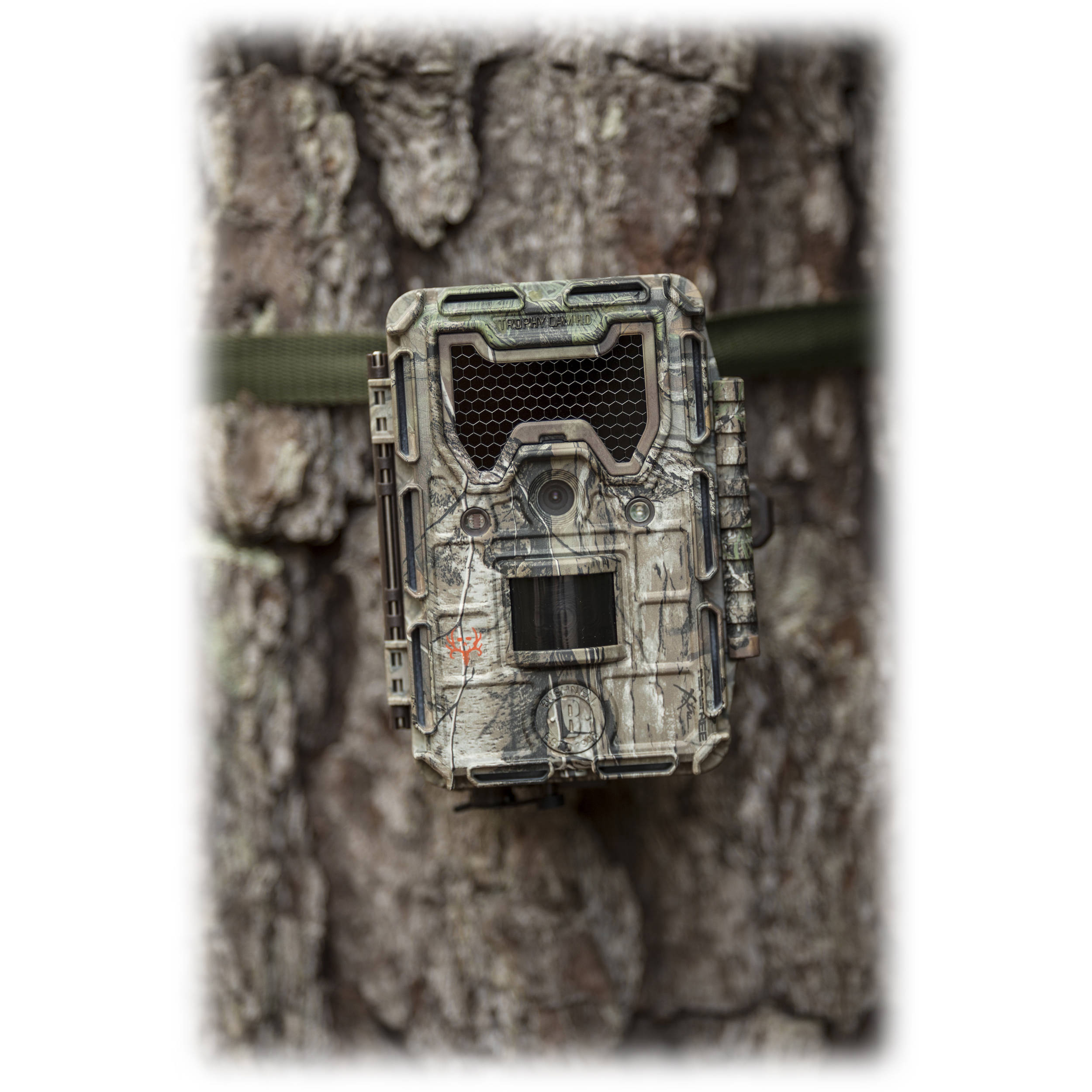 Bushnell Trophy Cam HD Aggressor Low-Glow Trail Camera (Camo)