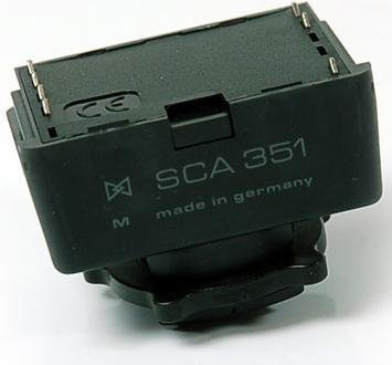 Metz SCA 351 adapter for Leica